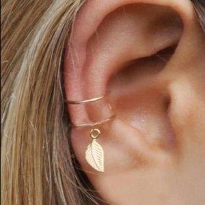 🍃 Boho Leaf Ear Cuff- gold